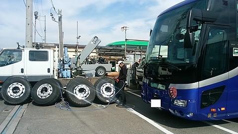 観光バスのタイヤにエアーグー